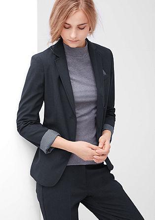 Eleganten raztegljiv suknjič