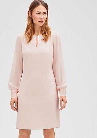 Elegantes Chiffon-Kleid
