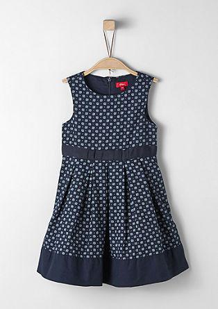 Elegantes Kleid mit Muster