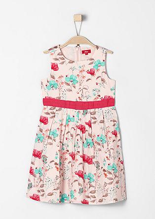 Elegantna obleka s cvetlicami