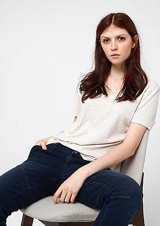 Elegantna rebrasta majica