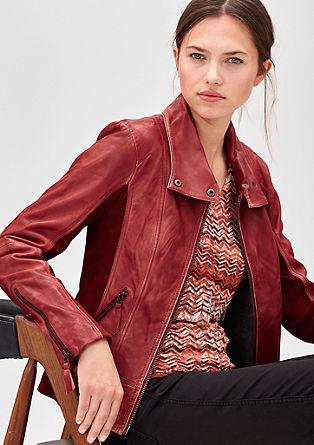 Elegantna usnjena jakna s kontrasti