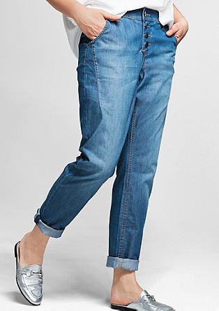 Fancy: Luchtige jeans met een knoopsluiting