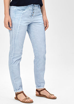 Fancy fit: jeans in a fade-out look from s.Oliver