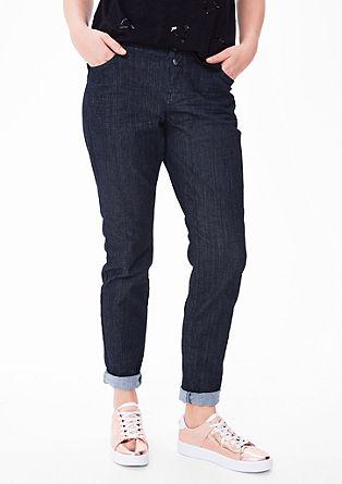 Fancy fit: jeans met dubbele knoop