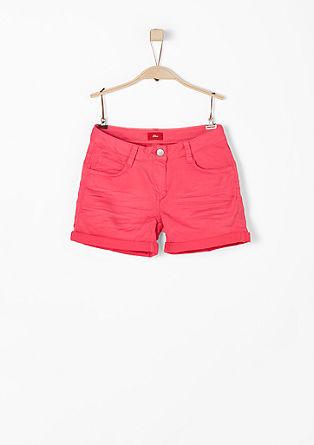 Farbige Stretch-Shorts