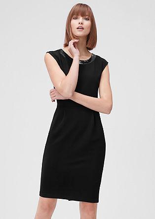 Fein geripptes Kleid mit Pailletten
