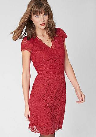 Figurbetontes Kleid aus Spitze