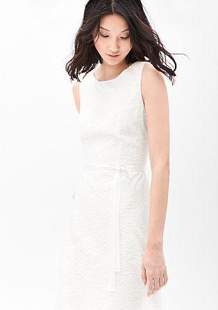 Fijne jurk met geweven bloemmotief
