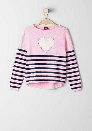 Fijngebreide trui met hartmotief