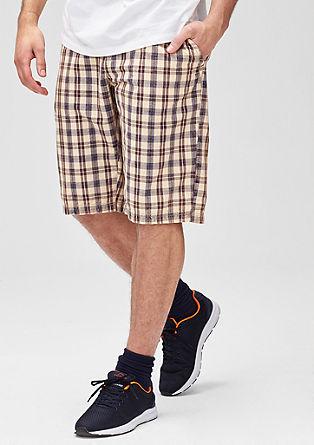 File Loose: Kariraste bermuda hlače
