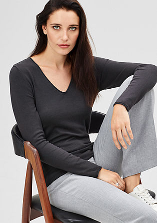 Fine knit V-neck jumper in a slim fit from s.Oliver