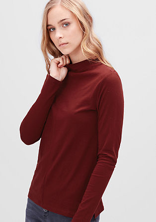 Fine top with a stand-up collar from s.Oliver