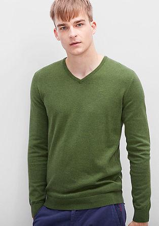 Fino pleten pulover z V-izrezom