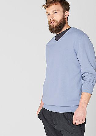 Finopleten pulover z V-izrezom