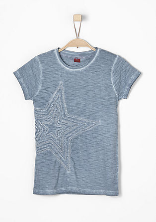 Garment-dyed T-shirt with an appliqué from s.Oliver