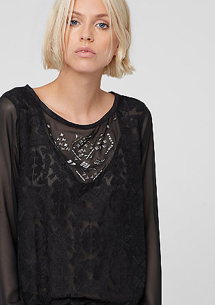 Geborduurde chiffon blouse met studs