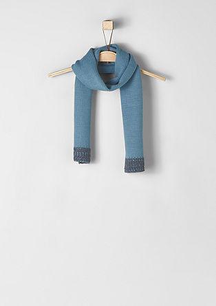 Gebreide sjaal met geribde biezen