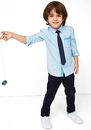 Gedessineerd overhemd met stropdas