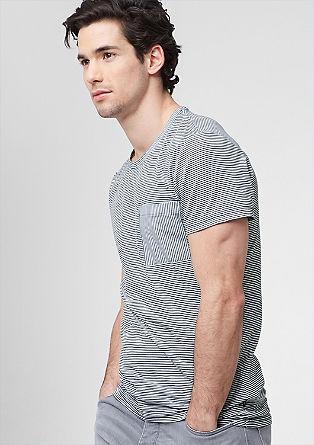 Gestreiftes Shirt mit Tasche