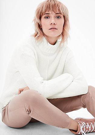 Grobo pleten pulover z resicami