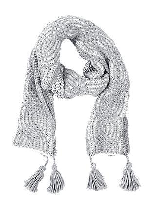 Grobstrick-Schal mit Quasten