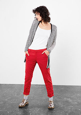 Gwen Tapered: crinkle-style chinos from s.Oliver