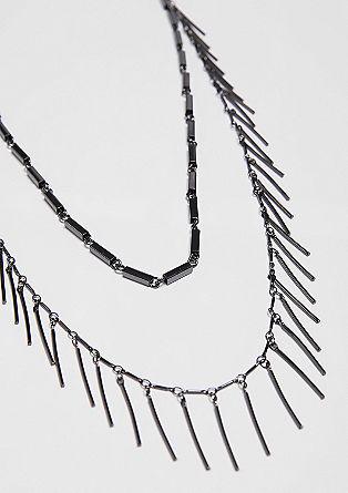 Halskette mit filigranen Anhängern