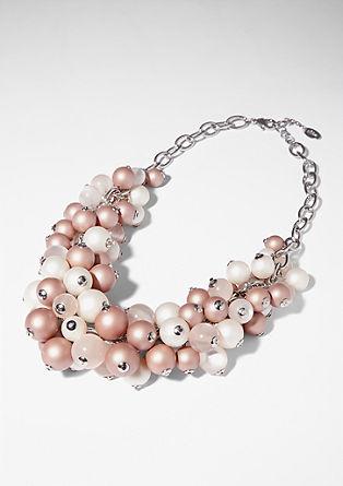 Halskette mit Kunststoffperlen