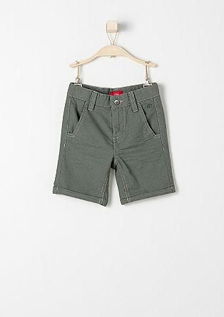 Hlače chino: kratke hlače s pikicami