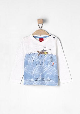 Ilustrirana majica z V-izrezom