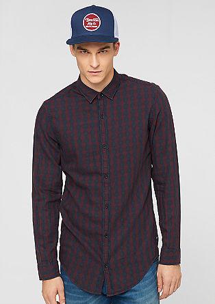 Izjemno oprijeto: karirasta bombažna srajca