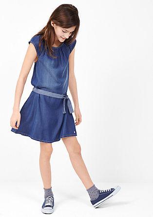 Jeans obleka izrezom v slogu Carmen