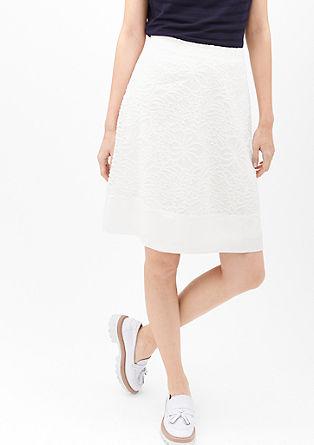 Jemná sukně skvětovaným tkaným vzorem