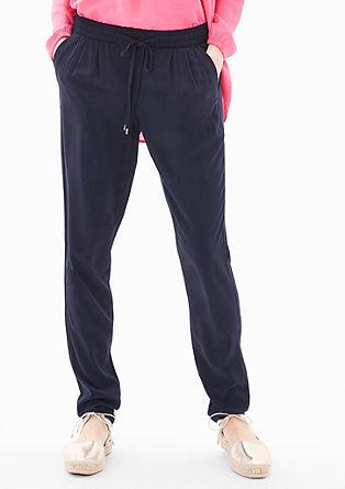 Joggingové kalhoty s designem v jednom odstínu