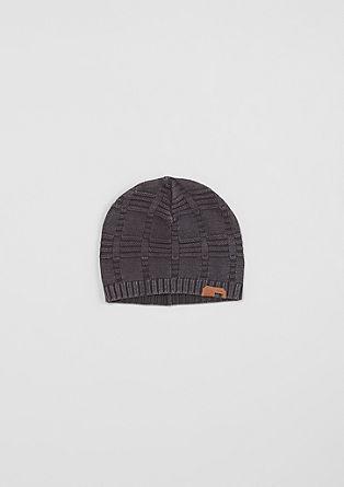 Kapa s pletenim vzorcem
