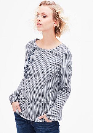 Karirasta bluza z razširjenim nabirkom