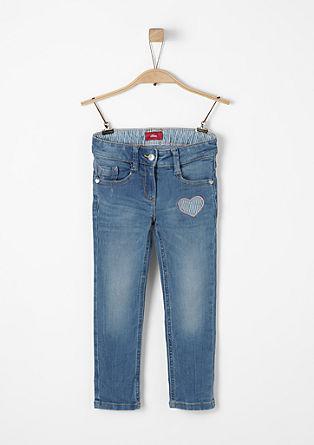 Kathy: jeans met hartjesapplicatie