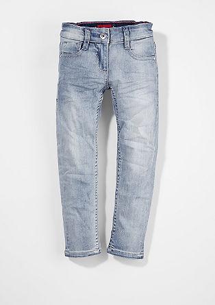 Kathy: Jeans mit Blümchen-Nieten