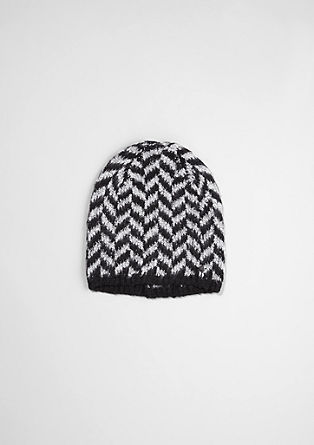 Knit hat with a zigzag pattern from s.Oliver