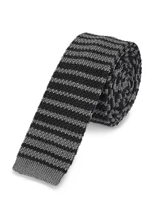 Knitted tie with a striped pattern from s.Oliver