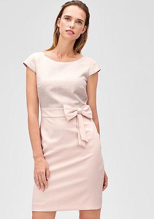 Koktajl obleka s pentljo