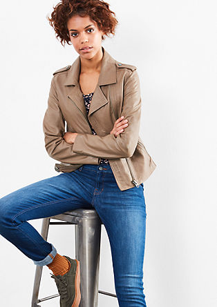 kožená bunda s širokým límcem
