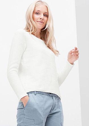 Kratek rebrasto pleten pulover