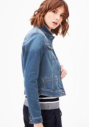 Kratka, raztegljiva jeans jakna
