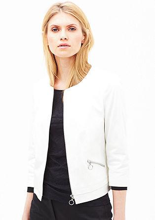 Kratka jakna z okrasnimi zadrgami
