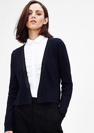 Kratka pletena jakna z okrasnimi kovicami