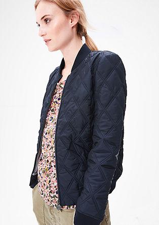 Kratka prešita jakna v slogu bluzona