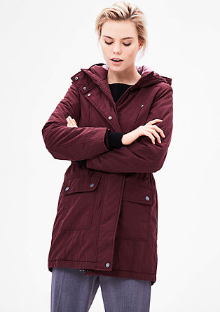 krátký kabát se vzhledem parky