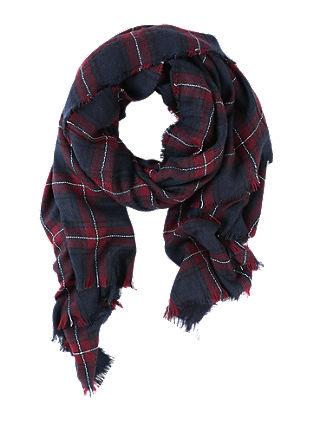 Kuscheliger Schal mit Karos
